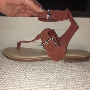 ✨NWT and Box! ✨Dark red suede Marc Fisher Sandal